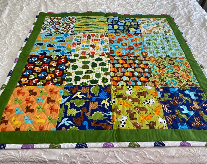 Baby Animal Quilt, Small Baby Quilt, Baby Play Mat, Reversible Quilt, Baby Shower Gift, Gender Neutral Quilt, Small Animal Quilt,