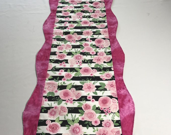 Pink Table Runner, Pink Runner, Pink Rose Runner, Rose Table Runner, Mothers Day Gift,Housewarming GIft, Kitchen Table Runner, Gifts for Mom