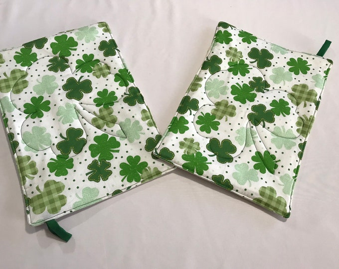 Green Pot Holders, Green Shamrocks, Green Trivets, St Patricks Day Pot Holders, Hostess Gifts, Housewarming Gifts, Gifts for You, Reusable