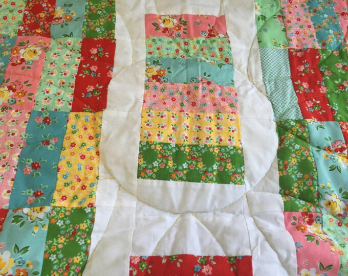 Lap Blanket, Lap Throw, Quilted Lap Blanket, Floral Quilt, Quilted Throw Blanket, Couch Throw, Small Blanket, Small Quilt, Crib Size Quilt