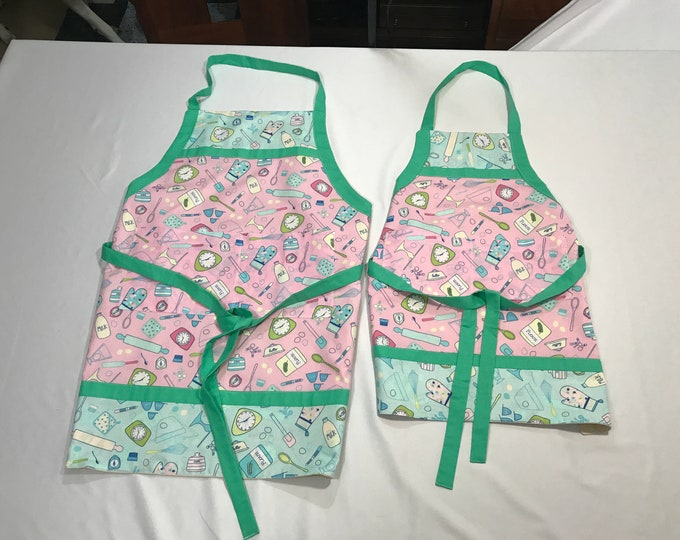 Matching Aprons, Matching Aprons Sisters, Baking Aprons, Aprons Matching, Sisters Aprons, Pink Aprons, Birthday Gifts Her, Gifts for Sisters