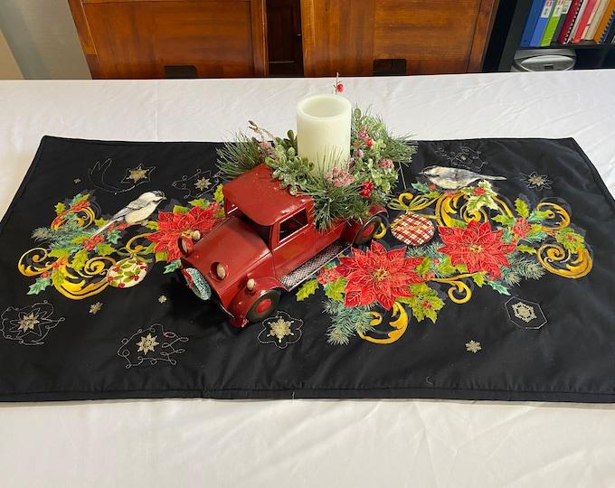 Winter Table Runner, Christmas Table Runner, Christmas Table Runner Quilted, Quilted Winter Table Runner, Winter Table Topper, Table Cover