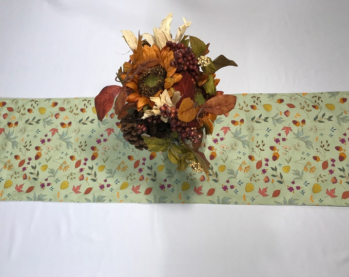 Fall Table Runner, Fall Table Topper, Fall Table Decor, Autumn Table Runner, Green Table Runner, Housewarming Gifts, Fall Birthday Gifts