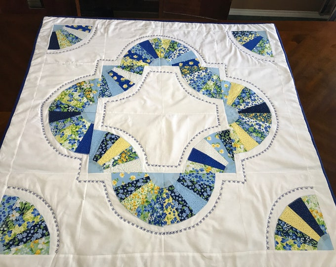 Square Table Runner, Square Table Topper, Table Runner Square, Summer Table Runner,Table Cover, Quilted Table Runner,Reversible Table Runner
