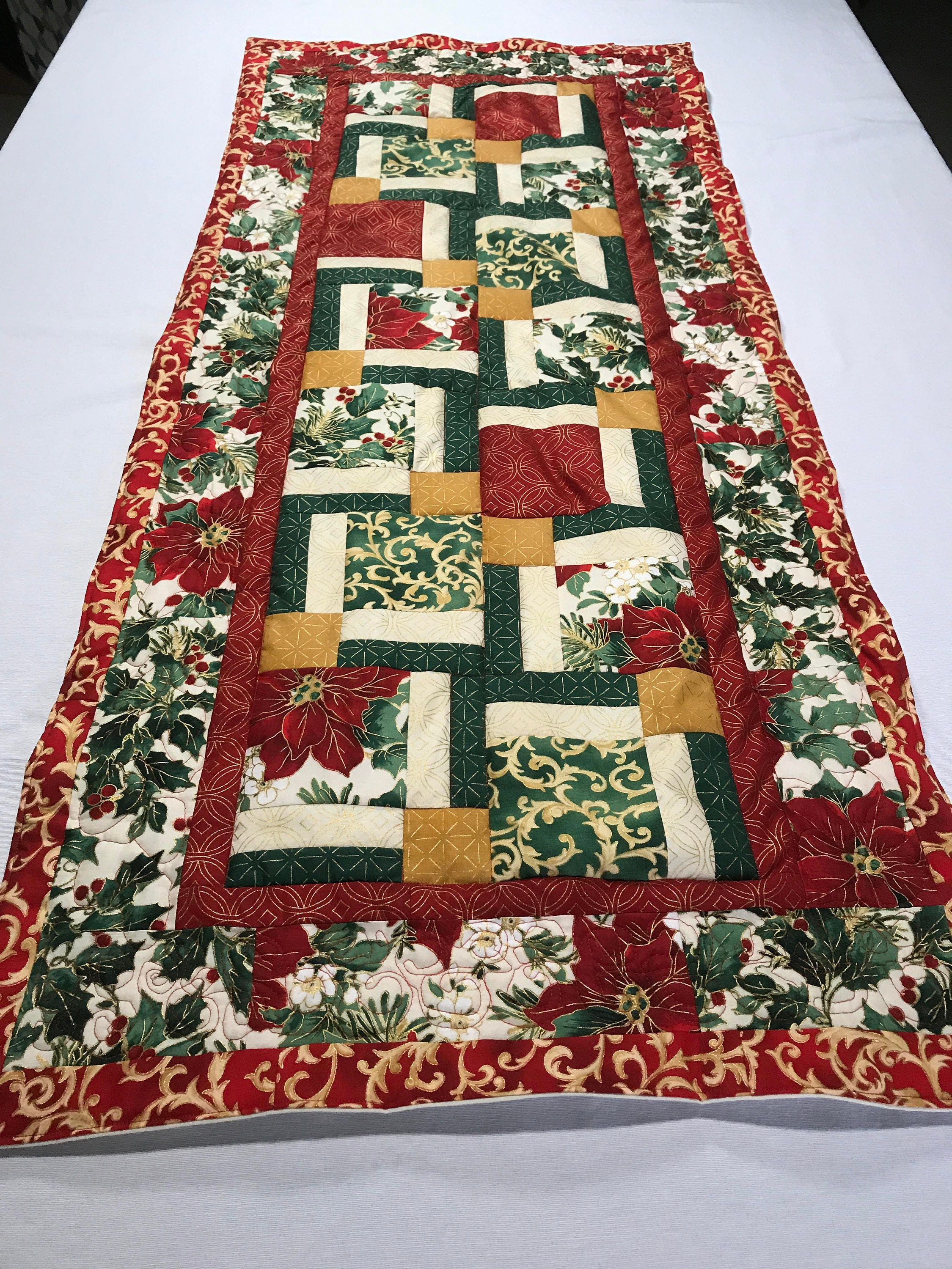 Christmas Table Runner Quilt.Christmas Runner Quilted Christmas Table Runner Christmas