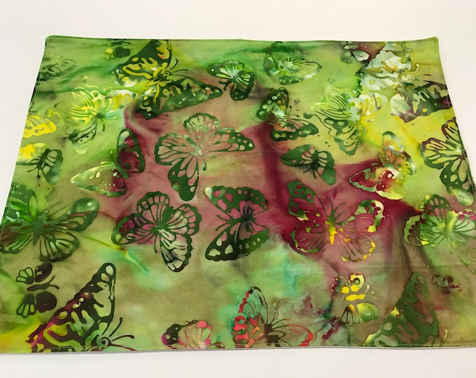 Green Placemat, Green Placemat Set, Butterfly Placemats, Green Batik Fabric, Set of 4 Placemats, Watercolor Placemats, Mothers Day Gifts
