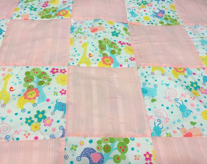 Small Baby Quilt, Baby Quilt Handmade, Baby Zoo Animals, Baby Animal Quilt, Baby Shower Gift, Baby Girl Quilt, Baby Play Mat, Pink Quilt