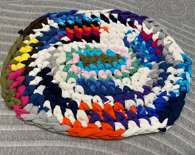 Rag Rug, Upcycled Rag Rug, Tshirt Rag Rug, Small Crocheted Rug, Strip Rug, Small Dog Bed, Small Bathroom Rug, Crocheted Rag Rug