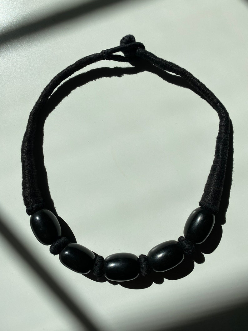 Chunky big bead choker necklace