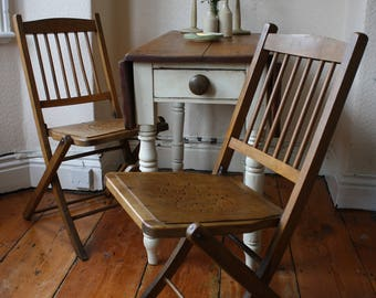 Lovely Pair of Vintage English Elm Slat Back Folding Chairs