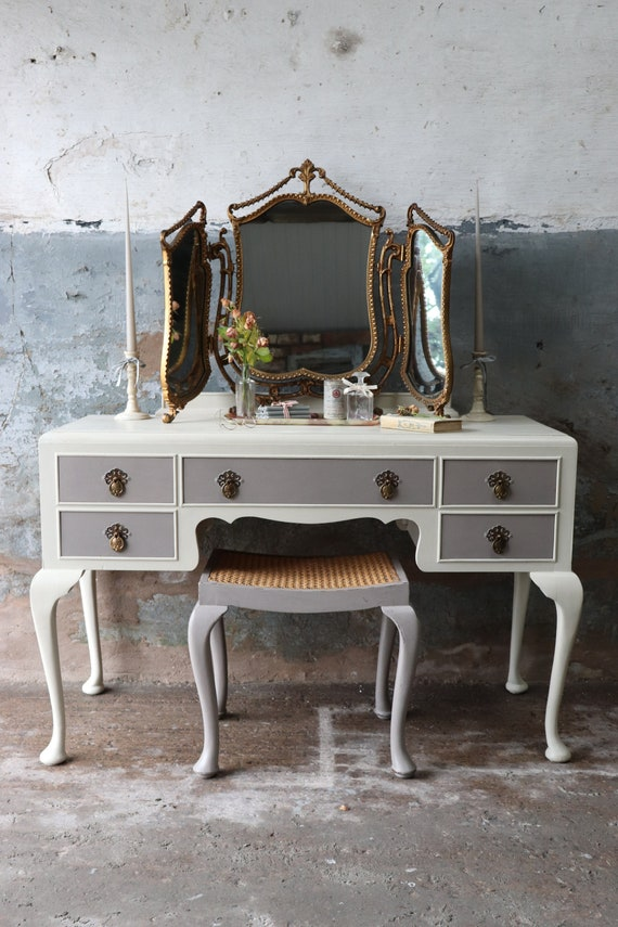 pretty nice 96095 1a14c Upcycled Vintage Dressing Table Stool in Mousse Grey