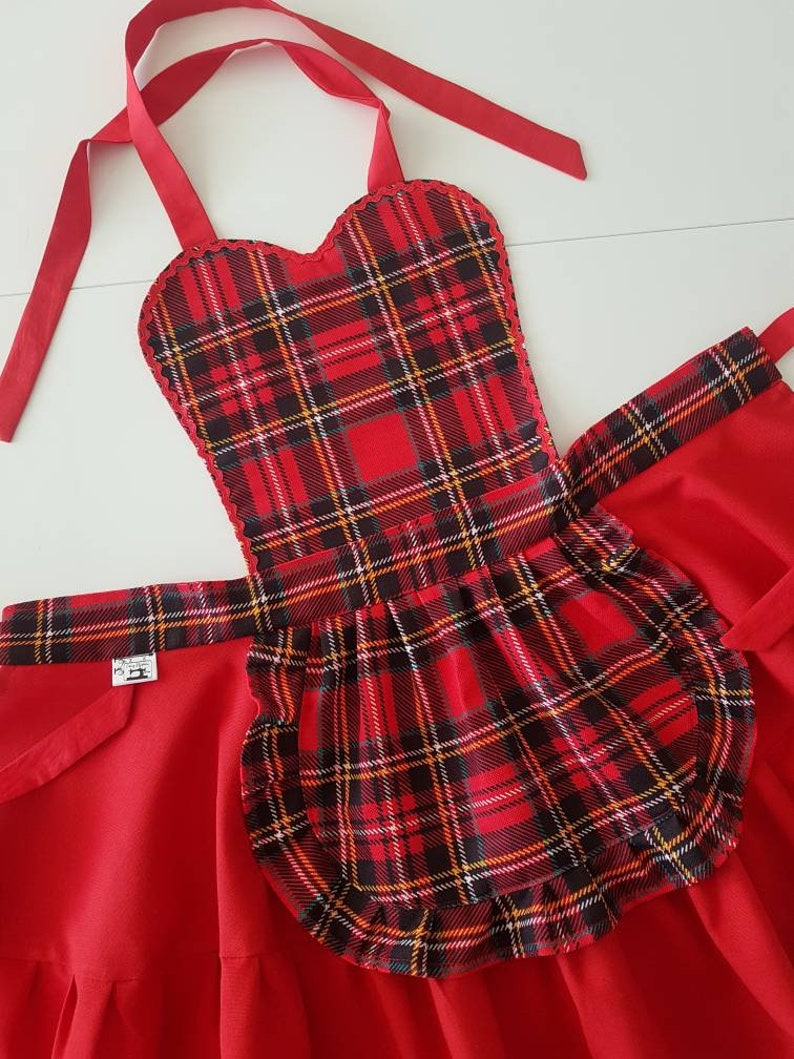 Tartan plaid apron for women Waterproof cooking apron for mom and grandma gift Cute retro baking apron for Valentine/'s Day gift