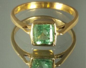 18K Solid Yellow Gold Columbian Emerald Ring Retro Vintage
