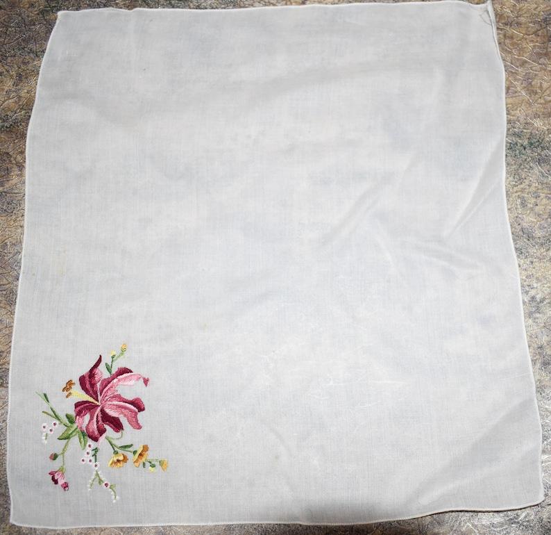 Vintage Embroidered Floral Flower Hanky Handkerchief Hankie Wedding Collectible