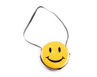 26641bd74aaee Vintage Moschino Redwall Smiley Face Handbag. irvrsbl