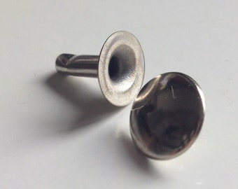 100 flat studs, silver-coloured with rivet Ø 10 mm