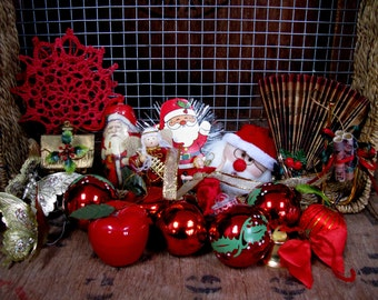 vintage decorations vintage christmas 1970s christmas 1980s christmas christmas decor kitsch red and gold vintage baubles kitschmas - 1980s Christmas Decorations