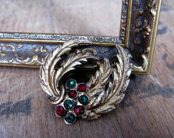 Wreath Brooch, Christmas Brooch, Vintage Christmas, Diamante Brooch, Christmas Pin, Red and Green Brooch, Vintage Brooch, 1970s Brooch,