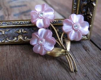Flower Brooch, Floral Brooch, Pink Brooch, Vintage Brooch, Flower Brooch, Brooch Pin, 1960s Brooch, Bouquet Brooch, Floral Spray Brooch