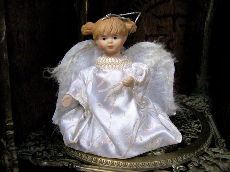Ceramic Angel Vintage Christmas White Angel Kneeling Angel Christmas Fairy Ornament Christmas Angel Angel Decoration 1980s Christmas