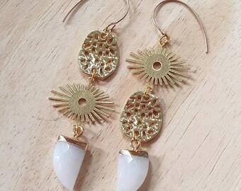 Golden Sun Burst Asymmetrical Earrings with White Jade Fang