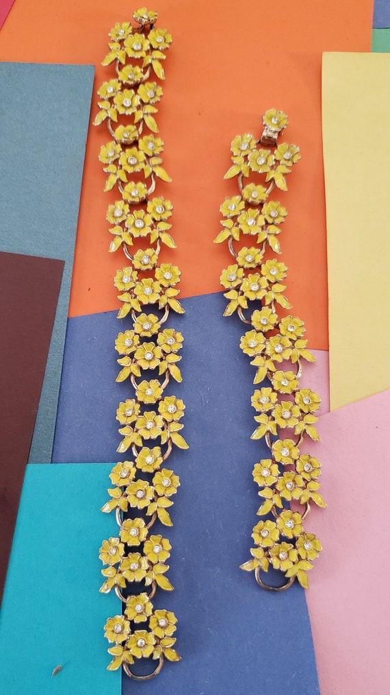 Vintage set of 2, yellow flowered ankle bracelet,