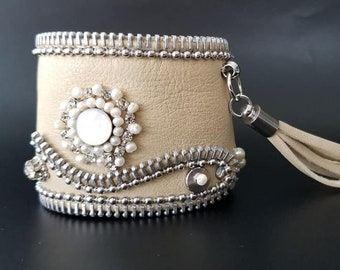 Lady and Pearls
