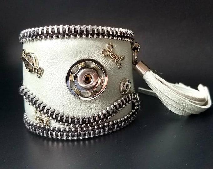 Salt. Zipper Leather Cuff