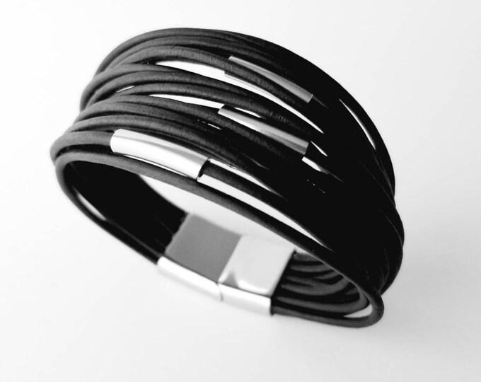 Multi Strand Black