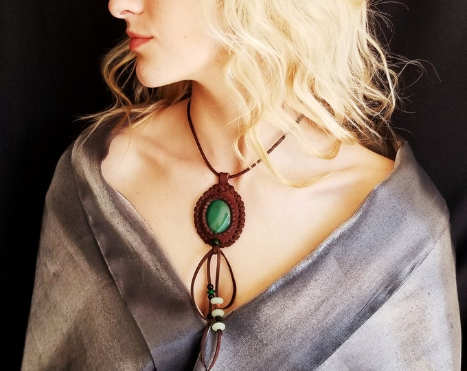 Bohemian Green Agate Stone Necklace.