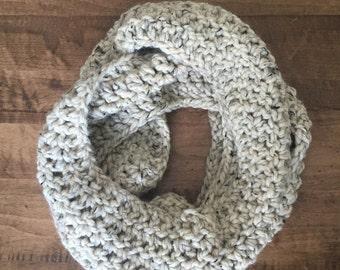 Chunky Infinity Scarf. Infiniti Scarf. Chunky Knit Scarf. Womens Chunky Scarf. Chunky Crochet Infinity Scarf. Crochet Infinity Scarf.
