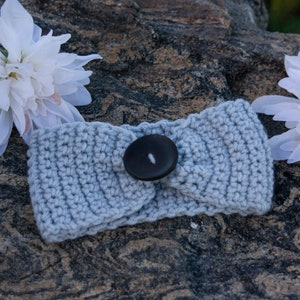 Hand crocheted baby headband with wooden buttons size 0-2yrs