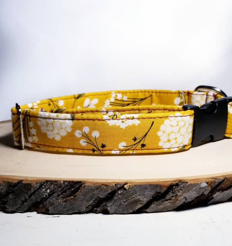 Yellow floral dog collar image 0