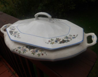REDUCED PRICE.......The Crescent China .Co, Pattern CSA34  Heart And Flower Design Casserole Dish With Cover, RARE