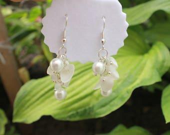 Shell earrings, Pearl wedding earrings, hawaiian jewelry, Bridal earrings dangle, Boho bridal earrings, Swarovski crystal drop earrings wife