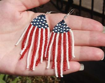 4th july earrings~patriotic jewelry for women~usa jewelry~patriotic seed bead earrings, Labor Day gift idea teacher, fourth of july earrings