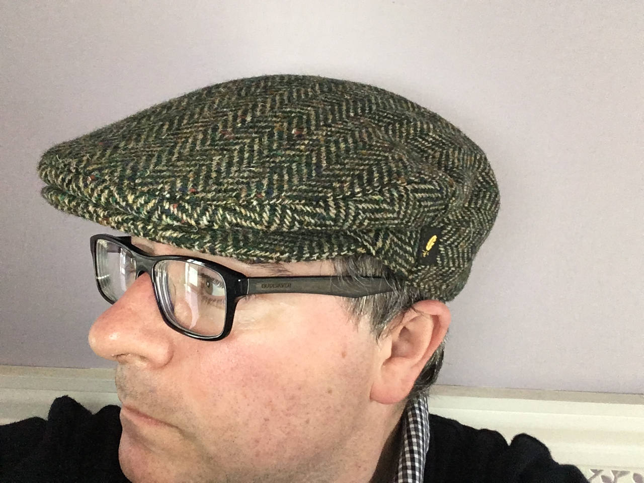 Authentic Donegal Tweed Irish Flat Cap - Herringbone Light Green ... 728d0e8a84d3