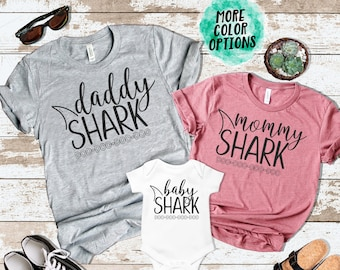 4652629cb426 Mommy Daddy Baby Shark DO DO DO Matching Shirts Matching Mommy and Me Shirts  Mommy and Me Outfits Matching Family Shirts Photos Shark Family
