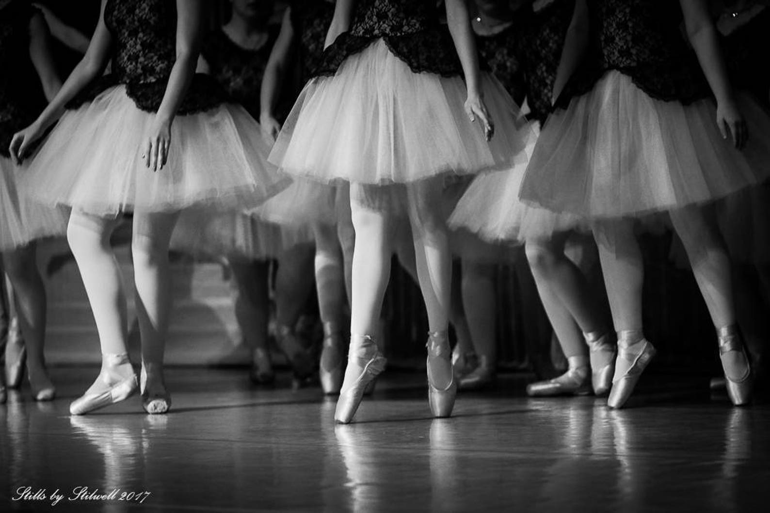 ballet photography, ballerina on pointe,ballet dancers print,black & white photo,dance studio decor, gift for daughter,nursery d