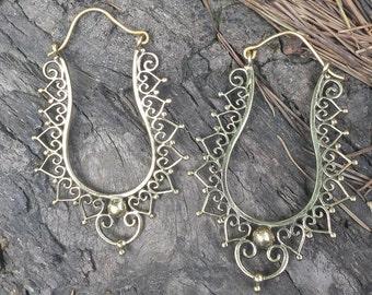 Unusual Brass Earrings Heart Edge - Tribal Earrings, Ethnic Earrings , Boho Earrings, Funky, Bellydance, Heart Earrings EB163