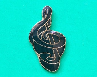 TREBLE CLEF pin / vintage pin enamel pin 80s 80's pin hat tac pinback button jacket pin gift present lapel pin musician gift music note