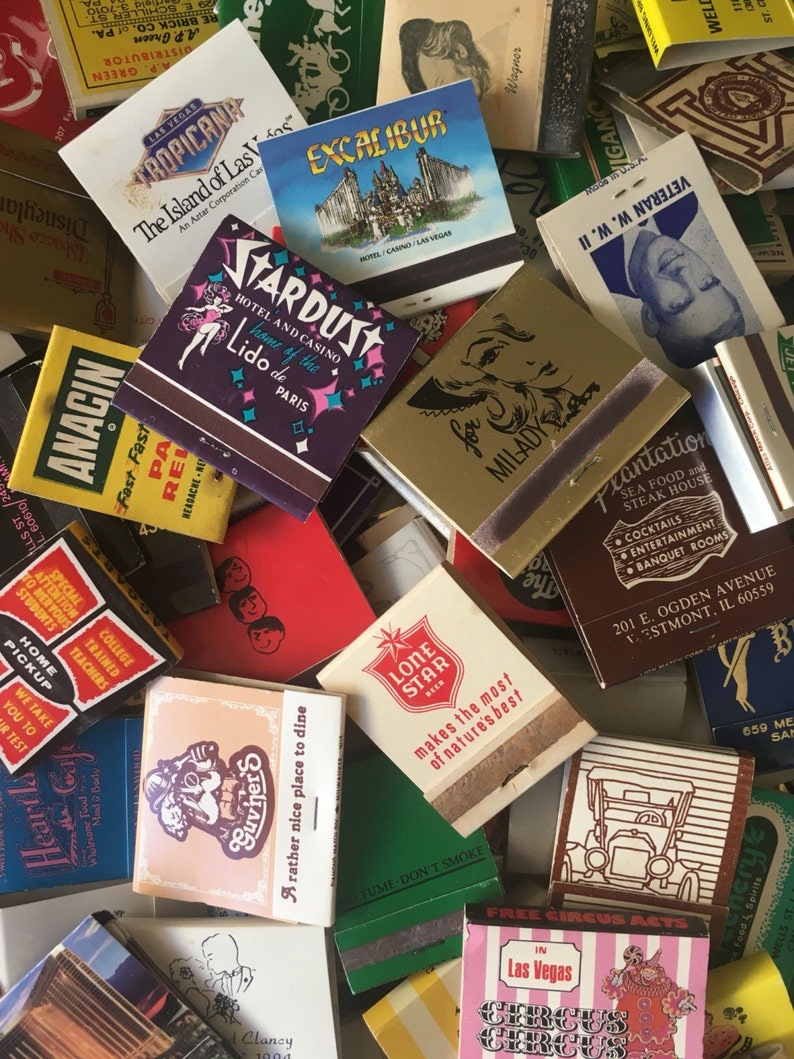 LOT OF 30 MATCHBOOKS from the 40s to 90s  / vintage matches image 0