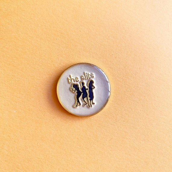 THE SLITS pin / vintage pin enamel pin hat tac pin