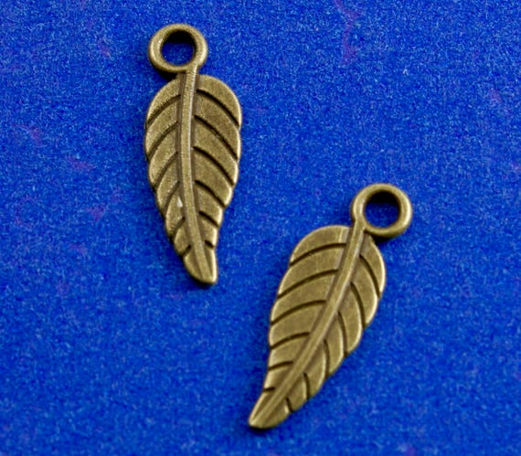 25 x Silver Plated Leaf Charms Pendants 17-19mm Autumn Winter Craft Jewellery