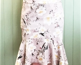 Beige & White Floral Stretch Peplum Skirt Size 12