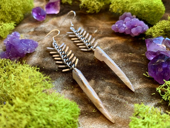 PESCE ~ Fishbone Earrings with Abalone Fang