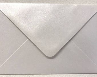 Lavender Metallic Pearlescent Envelopes 100 Pack Square   140mm X 140mm Lilac