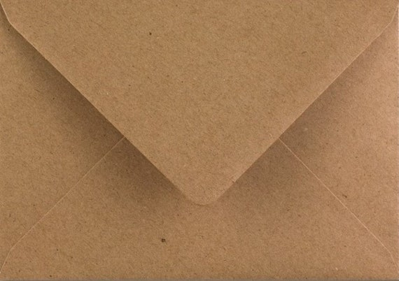 Cream Envelopes 125mm x 175mm Gummed Diamond Flap 100gsm Pack of 25 by Cranberry