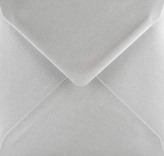 DL White Envelopes 100gsm by Cranberry Pack of 25