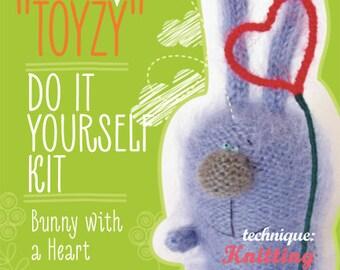 Tz-K004 Toyzy  Kit «Bunny With A Heart» - Technique Knitting